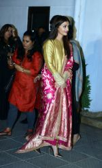 Aishwarya Rai Bachchan at the first look launch of Sarbjit in Delhi on 29th Feb 2016 (19)_56d5a64c7a49d.JPG
