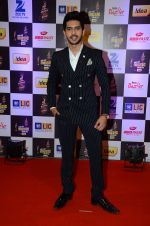 Armaan Malik at radio mirchi awards red carpet in Mumbai on 29th Feb 2016