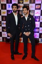 Armaan Malik, Amaal Malik at radio mirchi awards red carpet in Mumbai on 29th Feb 2016 (164)_56d59dd6a9fdf.JPG