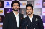 Armaan Malik, Amaal Malik at radio mirchi awards red carpet in Mumbai on 29th Feb 2016 (171)_56d59dd7f0a0b.JPG