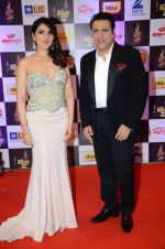 Govinda, Tina Ahuja at radio mirchi awards red carpet in Mumbai on 29th Feb 2016