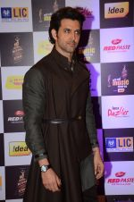 Hrithik Roshan at radio mirchi awards red carpet in Mumbai on 29th Feb 2016