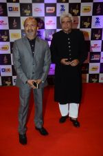 Javed Akhtar at radio mirchi awards red carpet in Mumbai on 29th Feb 2016 (142)_56d59ecce6a16.JPG