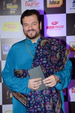 Nitin Mukesh at radio mirchi awards red carpet in Mumbai on 29th Feb 2016 (222)_56d59f630294f.JPG