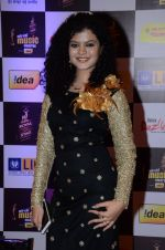 Palak Muchhal at radio mirchi awards red carpet in Mumbai on 29th Feb 2016