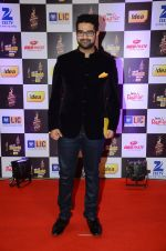 Siddharth Mahadevan at radio mirchi awards red carpet in Mumbai on 29th Feb 2016 (197)_56d5a03195e71.JPG