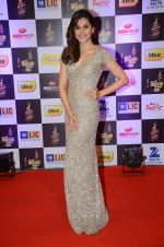Taapsee Pannu at radio mirchi awards red carpet in Mumbai on 29th Feb 2016 (399)_56d5a0afe1649.JPG