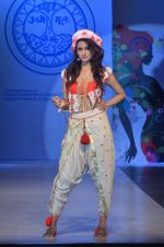 at Sophia college fashion show on 28th Feb 2016 (86)_56d53a0a5acb7.JPG