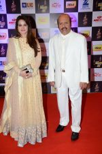 at radio mirchi awards red carpet in Mumbai on 29th Feb 2016 (342)_56d59e403579a.JPG