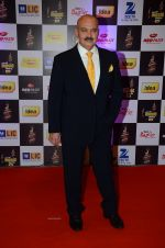 at radio mirchi awards red carpet in Mumbai on 29th Feb 2016 (421)_56d59e5e0d8ea.JPG
