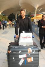 Karan Kundra snapped at airport on 1st March 2016