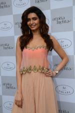 Karishma Tanna at Arpita Mehta_s fashion preview in Le15 Cafe Colaba on 1st March 2016 (56)_56d69467640d6.JPG