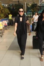 Karisma Kapoor snapped at airport on 1st March 2016