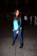Richa Chadda snapped at airport on 1st March 2016 (61)_56d6936e1c14d.JPG
