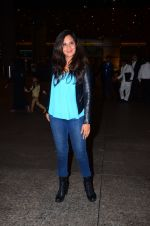 Richa Chadda snapped at airport on 1st March 2016 (63)_56d6936fa6a8e.JPG