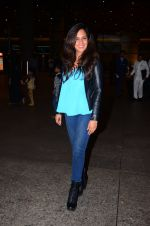 Richa Chadda snapped at airport on 1st March 2016 (64)_56d693726b678.JPG