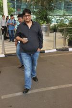 Vashu Bhagnani snapped at airport on 1st March 2016 (6)_56d6952e2742a.JPG