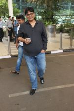 Vashu Bhagnani snapped at airport on 1st March 2016 (7)_56d6952f4adbc.JPG