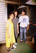 Ranbir Kapoor, Ayan Mukerji, Kiran Rao snapped in Mumbai on 2nd March 2016 (6)_56d8471956d90.JPG