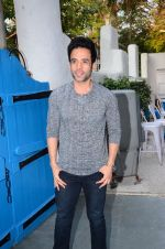 Tusshar Kapoor at Maria Goretti book launch in Mumbai on 2nd March 2016 (212)_56d84d5c7f032.JPG