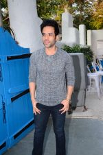 Tusshar Kapoor at Maria Goretti book launch in Mumbai on 2nd March 2016 (213)_56d84d5d3f462.JPG