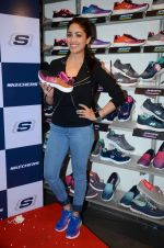 Yami Gautam promotes Sketchers on 2nd March 2016 (39)_56d848e4f2a5f.JPG