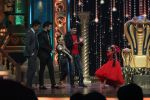 Kapil Sharma cheers the Finalists in India_s Best Dramebaaz Grand Finale on 3rd March 2016 (4)_56d99dea1f881.jpg