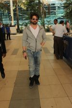 Neil Mukesh snapped at airport on 3rd MArch 2016 (18)_56d9a7f80b942.JPG