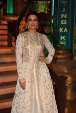Sonali Bendre at India_s Best Dramebaaz Grand Finale on 3rd March 2016  (1)_56d99df396b12.jpg