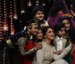 Sonali Bendre at India_s Best Dramebaaz Grand Finale on 3rd March 2016  (2)_56d99df54c8c3.jpg