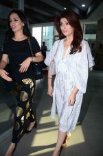 Twinkle Khanna at Sonali Bendre_s book launch on 3rd March 2016 (53)_56d9abeca83c3.JPG