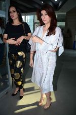 Twinkle Khanna at Sonali Bendre_s book launch on 3rd March 2016 (55)_56d9abeeca93f.JPG
