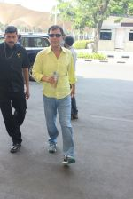 Vidhu Vinod Chopra snapped at airport on 3rd MArch 2016