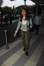 Alia Bhatt snapped at airport on 5th March 2016