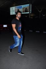 Arjun Kapoor snapped at airport on 5th March 2016