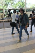 Farhan Akhtar snapped at airport on 5th March 2016 (54)_56dc20bba9288.JPG
