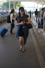 Mahima Chaudhary snapped at airport on 5th March 2016 (30)_56dc20f698651.JPG