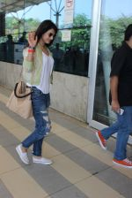 Sonal Chauhan snapped at airport on 5th March 2016