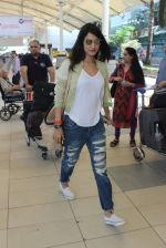 Sonal Chauhan snapped at airport on 5th March 2016 (43)_56dc21399832d.JPG