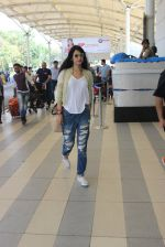 Sonal Chauhan snapped at airport on 5th March 2016 (44)_56dc213aac4f6.JPG