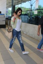 Sonal Chauhan snapped at airport on 5th March 2016 (46)_56dc213c876a3.JPG