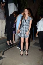 Suzanne kHan snapped in Mumbai on 5th March 2016 (5)_56dc1c148a006.JPG