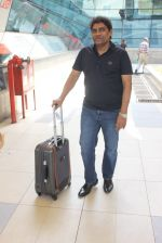 Johnny Lever snapped at airport on 6th March 2016 (7)_56dd2b58ea613.JPG