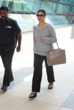 Kajol snapped at airport on 6th March 2016