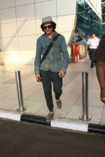 Farhan Akhtar snapped at airport on 7th March 2016