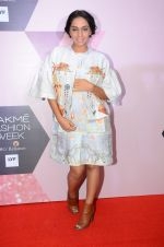 Shweta Salve at Lakme Fashion Week Preview on 8th March 2016 (56)_56e00c8220fcd.JPG