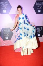 Surveen Chawla at Lakme Fashion Week Preview on 8th March 2016 (128)_56e00c99750c2.JPG