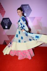 Surveen Chawla at Lakme Fashion Week Preview on 8th March 2016 (129)_56e00c9b20abf.JPG