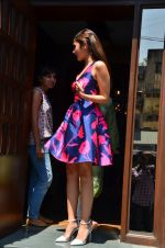 Alia Bhatt snapped post lunch in Mumbai on 9th March 2016