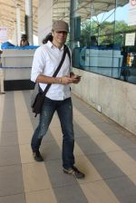 Imtiaz Ali snapped at airport on 10th March 2016 (50)_56e26c3636e0a.JPG